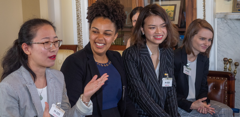 Four students participate in the MHC in DC program