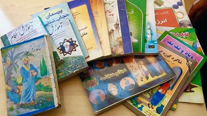 Blog_Darwish_library3.jpg