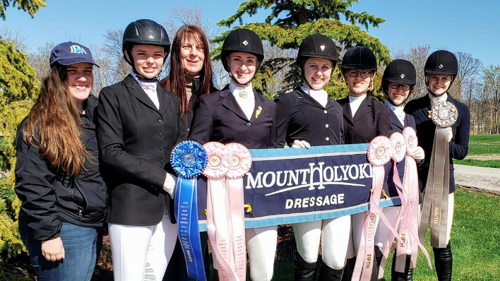 Lexi Lobdell '20 (far right) with the dressage team at the IDA Nationals, 2019