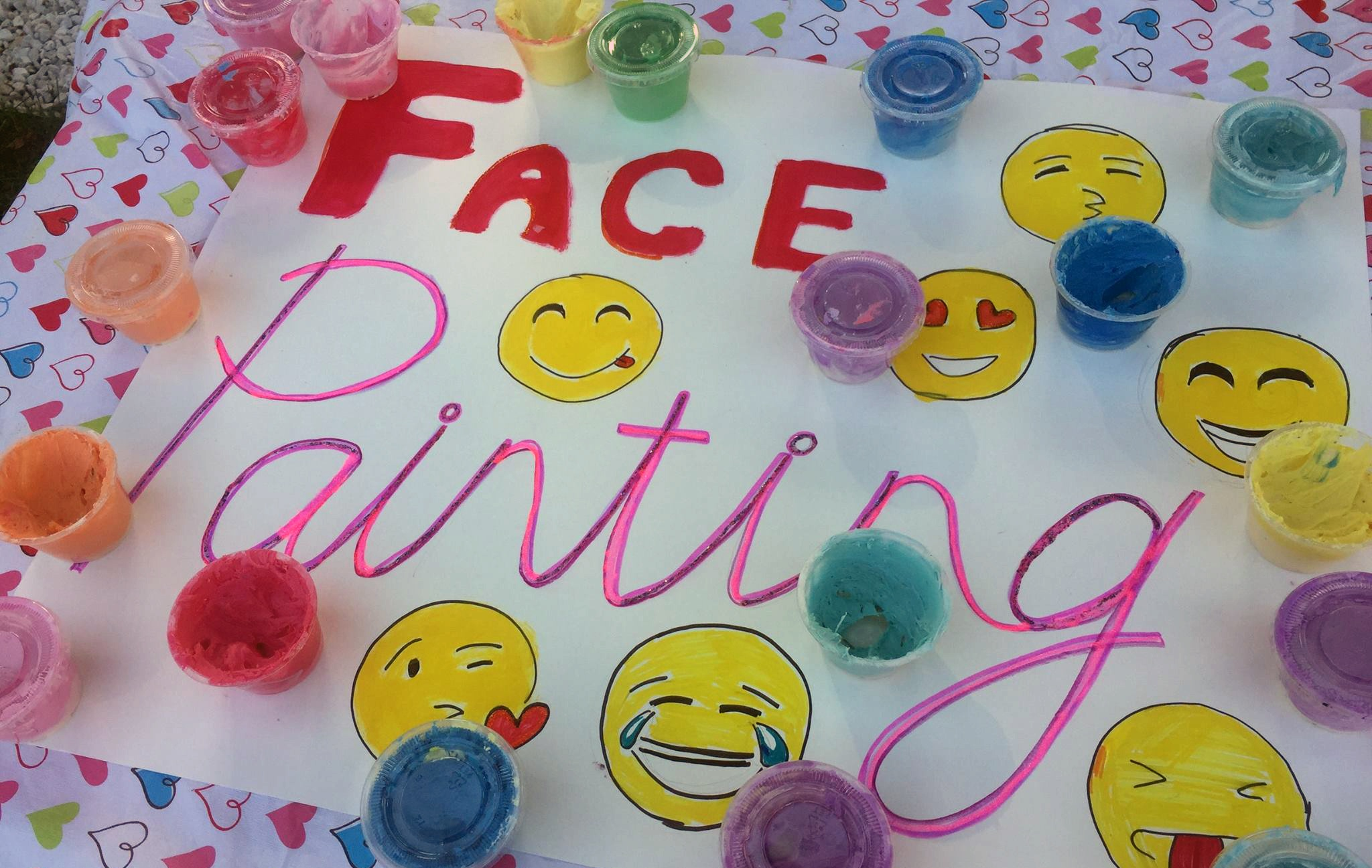Face painting: sign and supplies
