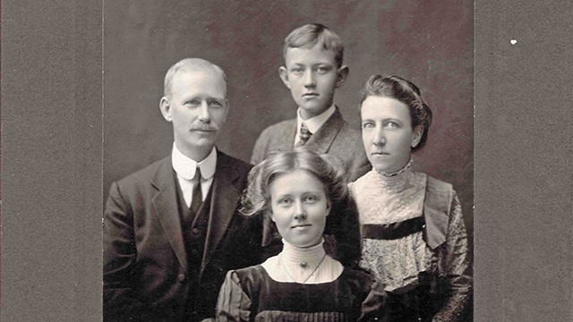 Family portrait depicting the legacy of Hannah Peach '19