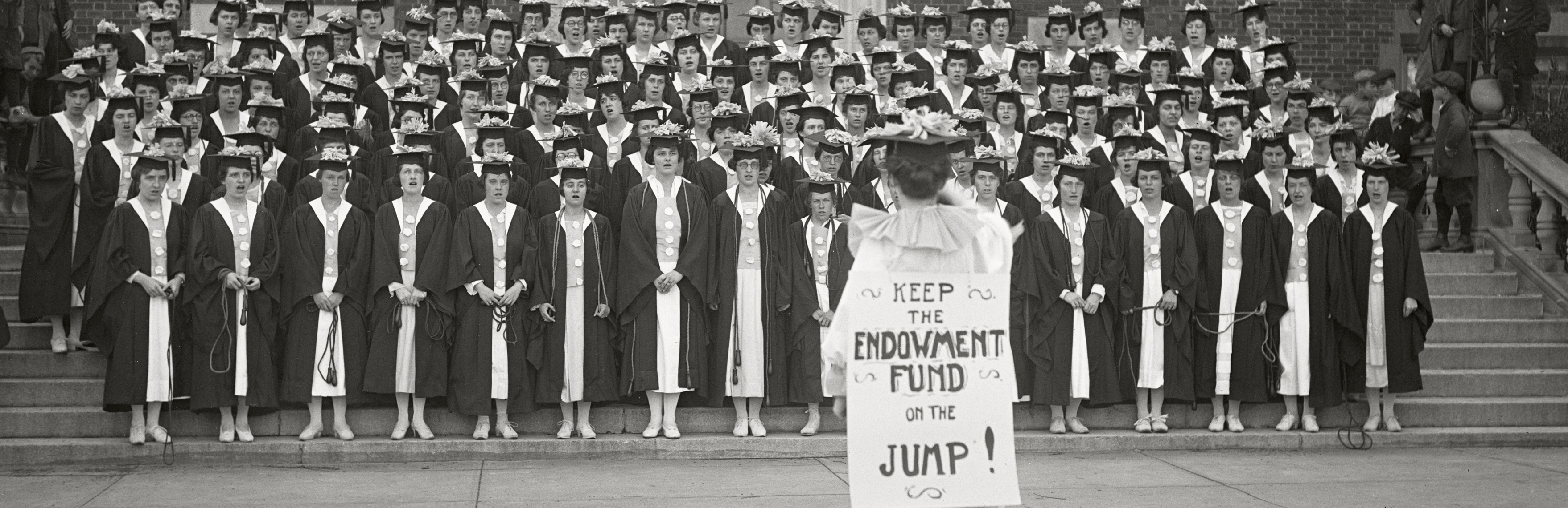 Senior ropejumping during Commencement 1920